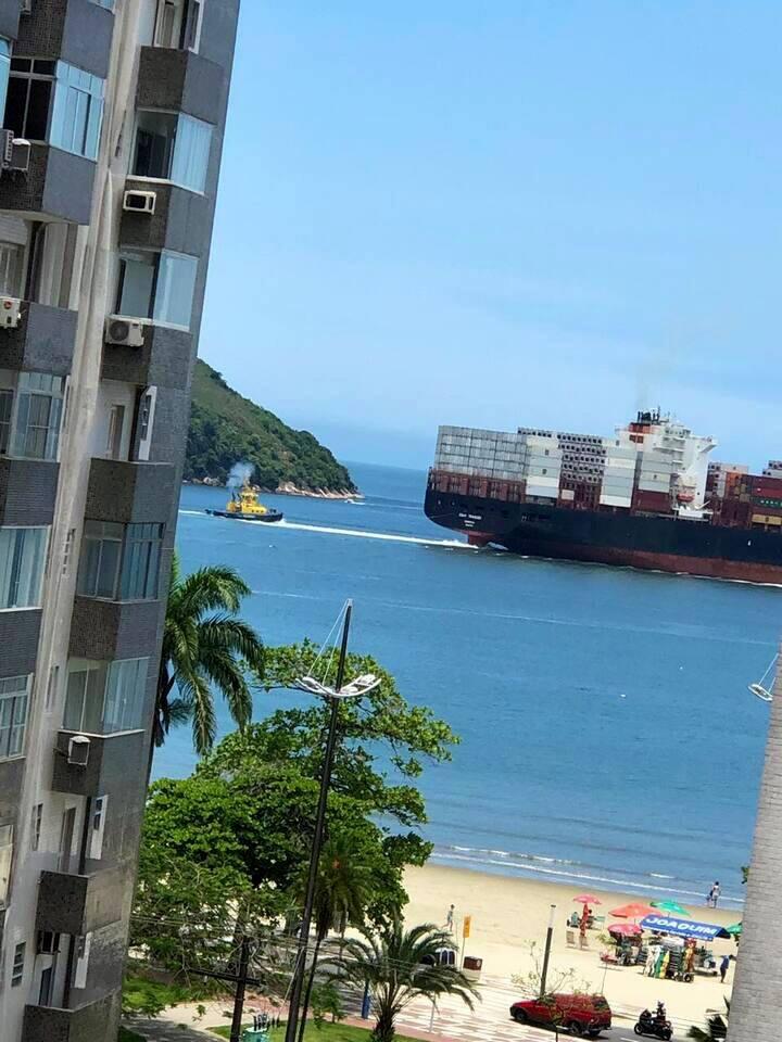 Amplo  ap. ótima localização P. da Praia em Santos