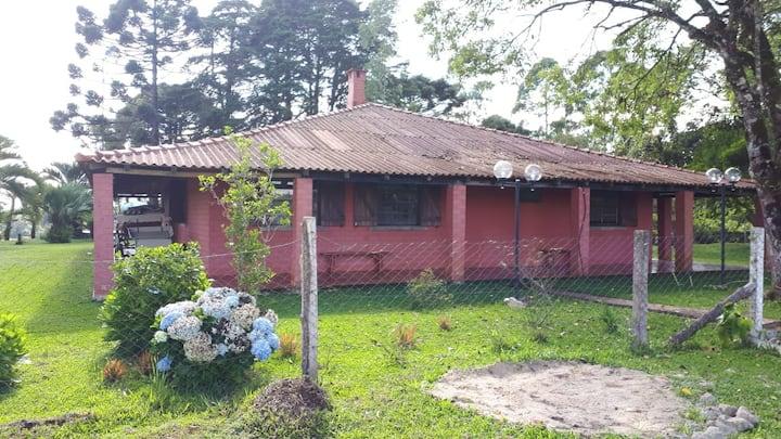 Bela e Agradável Casa de Campo próximo a Curitiba