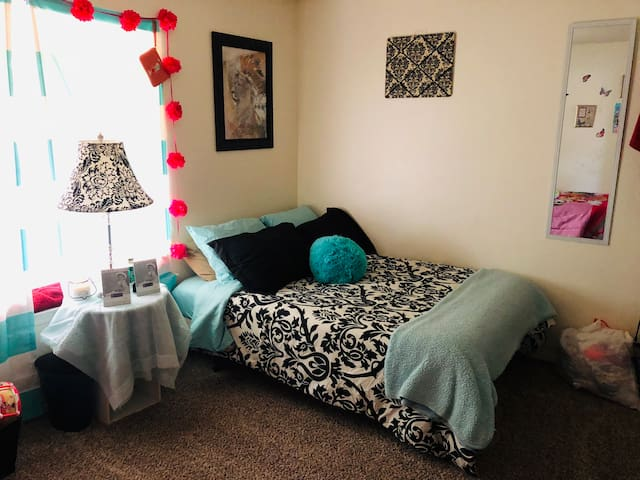 Comfortable 1Bed Apartment! Feels Like Home