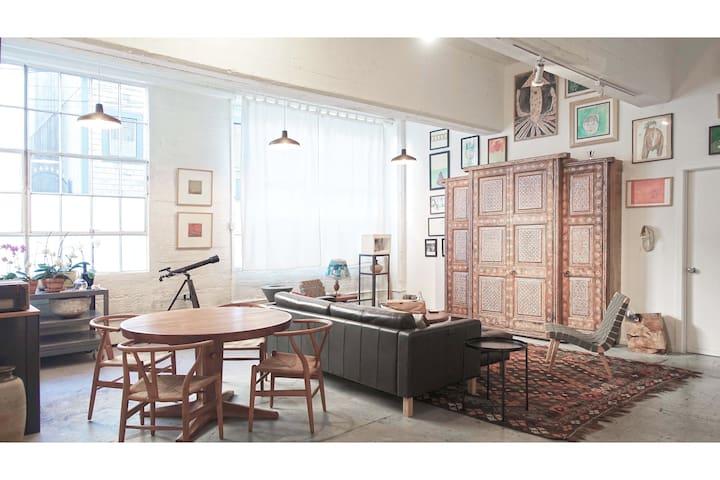 Private Light-filled Suite in Artist Loft