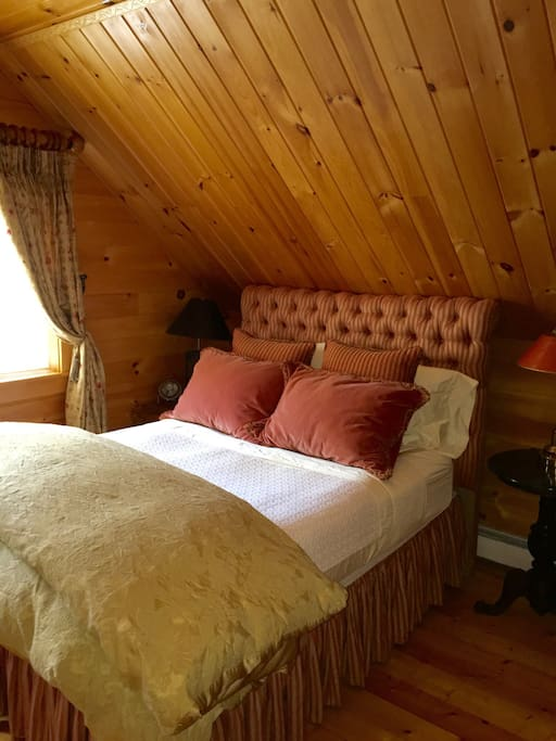 A cabin doesn't get much cozier than this!