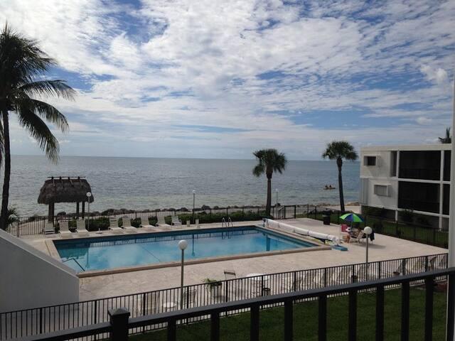 Ocean Front Condo - Lovely View - Marathon - Apartamento
