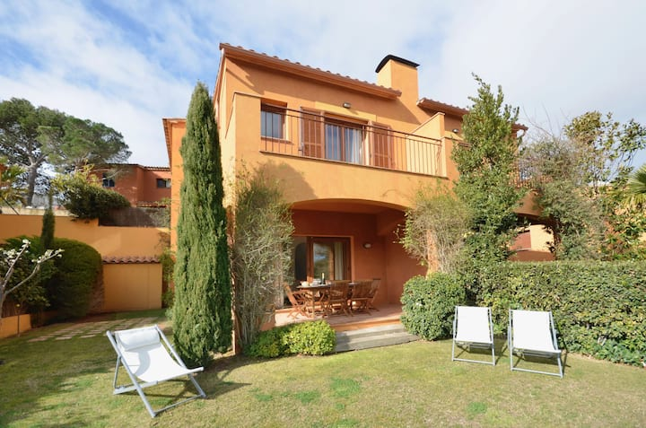 Holiday rental semidetached with swimming pool in Begur, Centre