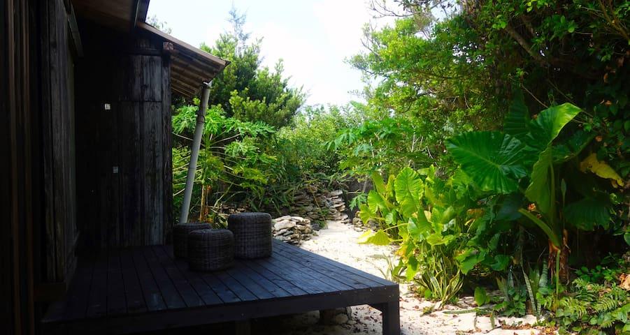 プライベートビーチ直結の一棟まるごと貸切「MAE-HIDA」 - Amami-shi