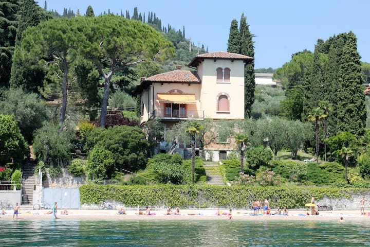 Villa Fasanella: Cottage on the shore