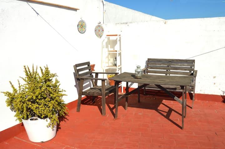 Cozy Attic/Studio with terrace in the City Centre