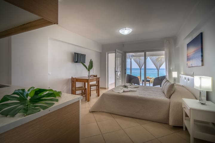 Playa Del Zante - Studio with Sea View - Ψαρρού - Apartment