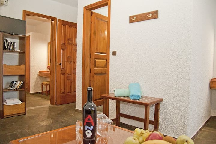 One Bed Apt Garden View A - Agia Marina - Appartement