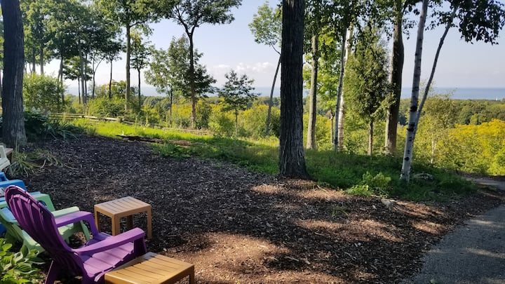 Newly Updated Lake View Escape