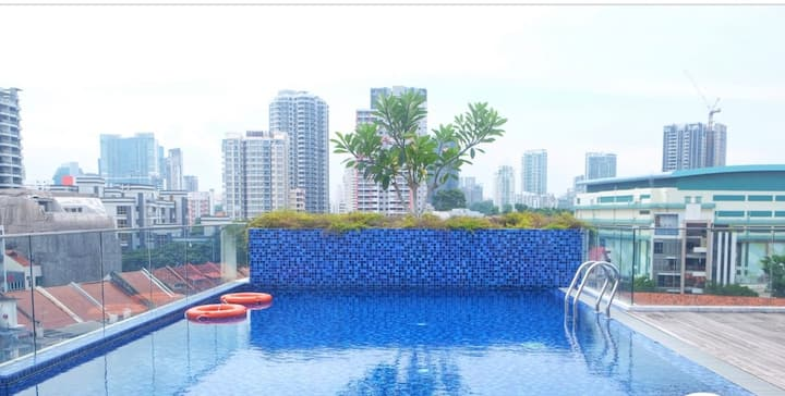 Sweet duplex penthouse condon in town 2 min to MRT