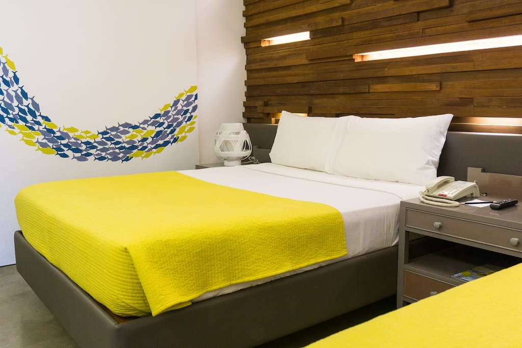 1 of the Queen beds