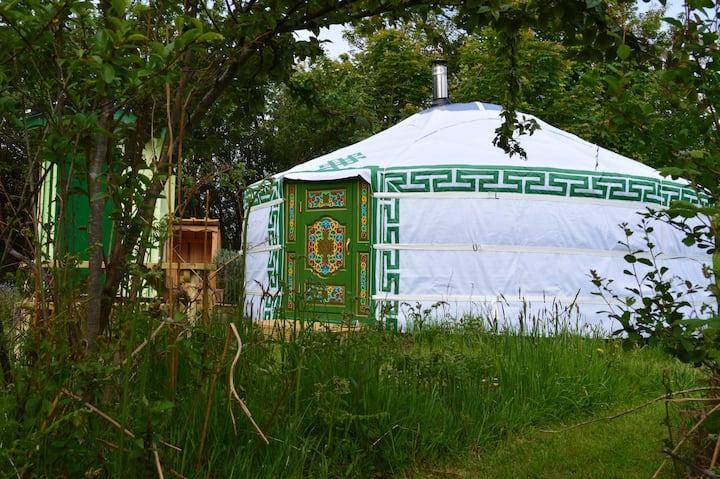 Luxury Mongolian Yurt at Ffynnonwen 5 mins. to sea
