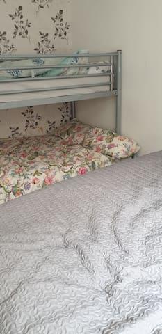Bedroom in quiet bungalow