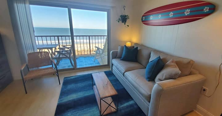 ⛱ OceanFront*Fireplace* Pool*HBOMax*Disney+*Balcony