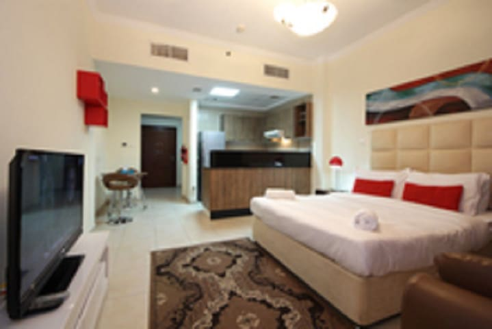 Beautiful Studio Walking Distance to Dubai Mall