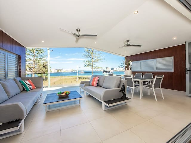 Gold Coast Commonwealth Games Home - Water Views