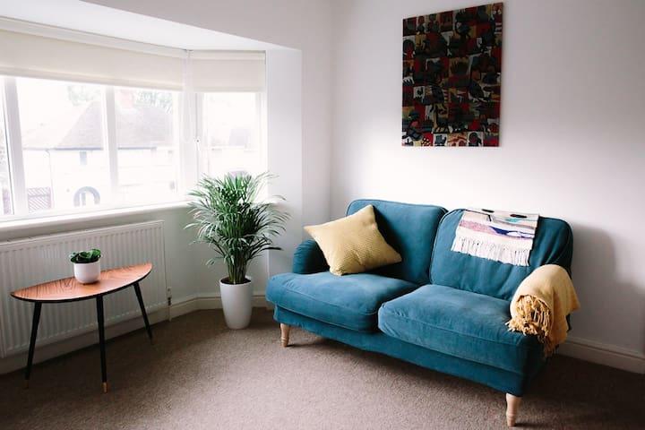 Modern Oxford Flat
