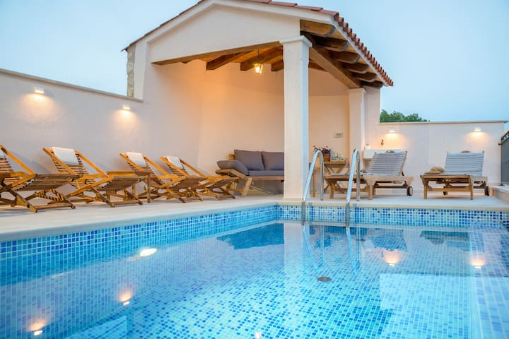 Dubrovnik's authentic villa  for modern holiday