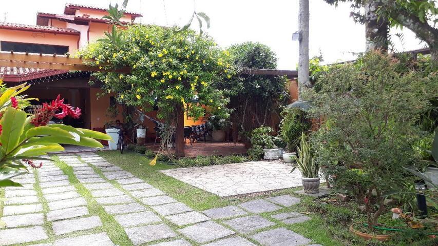 ACIOLY'S BEACH HOUSE - CARAGUATATUBA