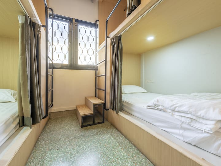 Sloth Hostel Khaosan - 10 Bed Mixed Dormitory