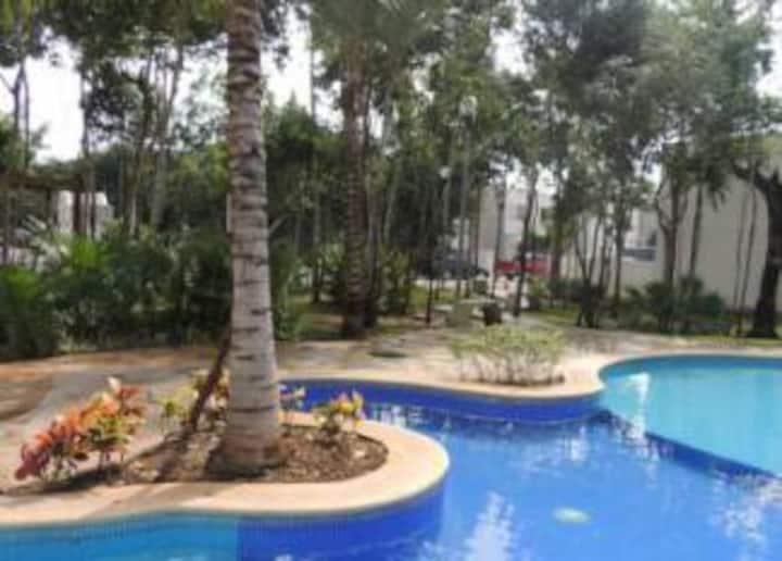 Comoda Tranquila y Práctica Habitación con Alberca