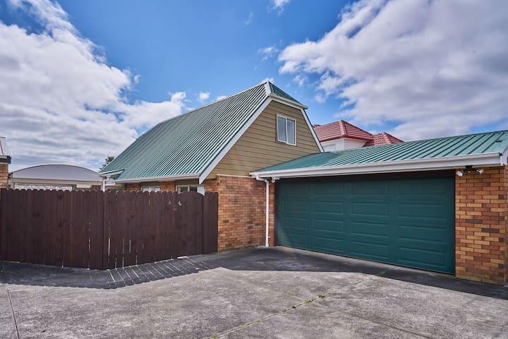 奥克兰东区可以拍星轨的温馨一房一大床Auckland Eastern cozy 1 rm 1 bed