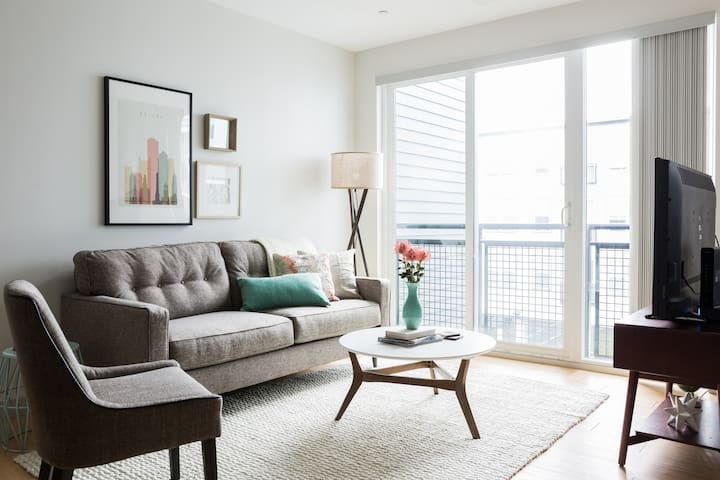 Sonder | Seaport District | Smart 1BR + Laundry