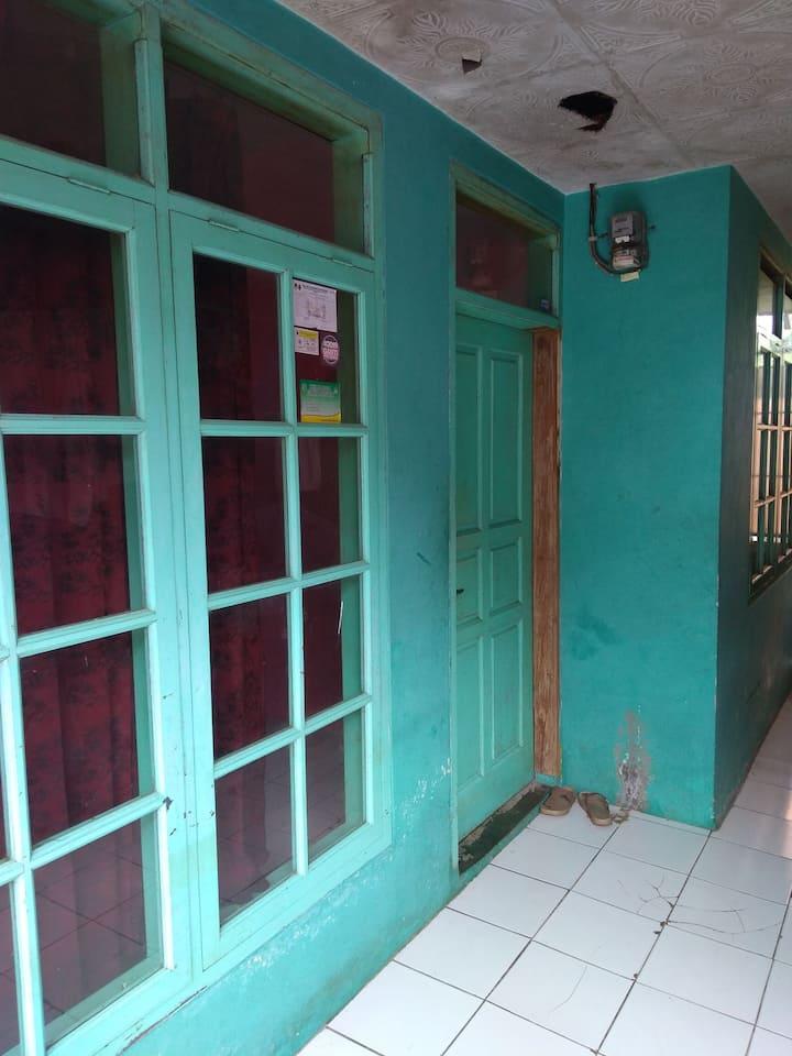 RICHARD HOUSE PENGINAPAN