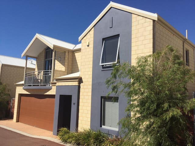 Town house 5 min.walk to foreshore - Mandurah - Rumah