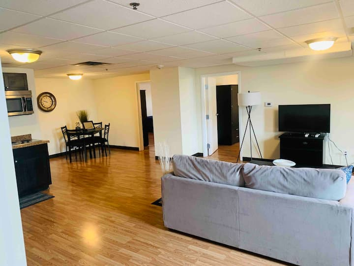 Luxury Condo @ Fincastle - Downtown Lou 410