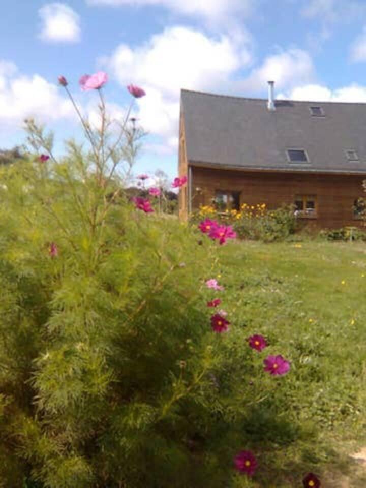 Maison en bois campagne/rivière/mer 2