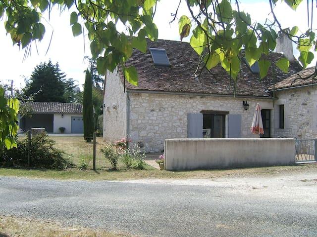 GUY - Saint-Germain-et-Mons - House