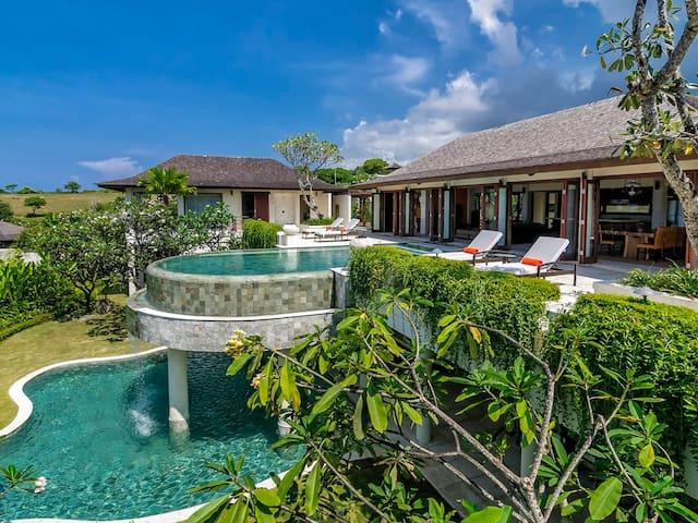 Clifftop Villa Cantik Pandawa, 6BR, The Bukit w/ chef