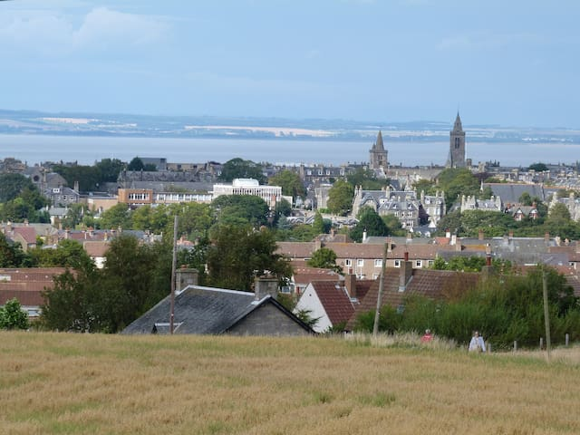 Home with superb view of St Andrews - Fife - Ev