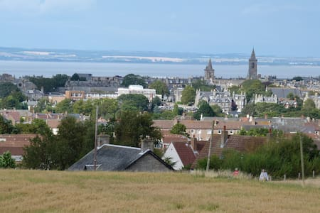 Home with superb view of St Andrews - Fife