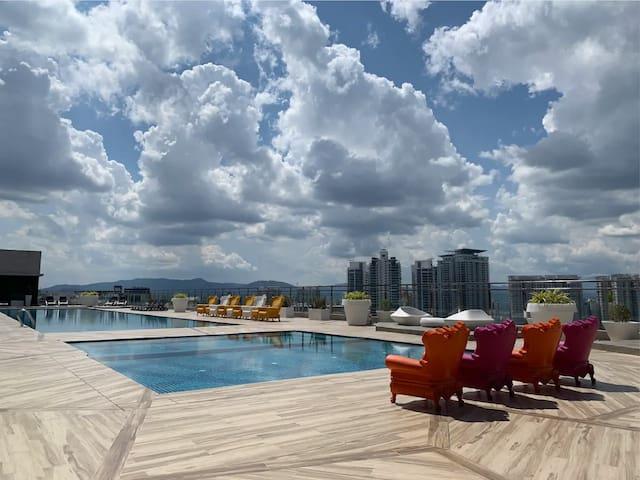 ♨ Bath Tub, Rooftop Pool View, Netflix ♨ Dorsett