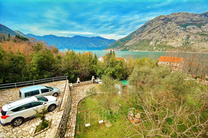Great 1BD Apartment with garden view near sea