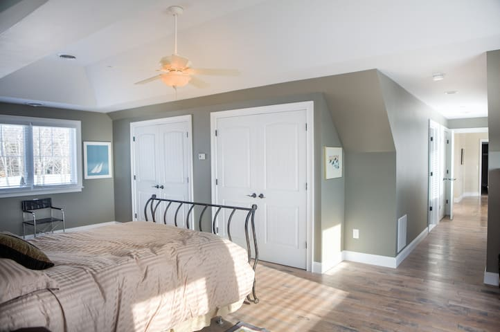 Tinkham Hill Farm, Master Bedroom - Hartland
