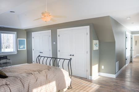 Tinkham Hill Farm, Master Bedroom - Hartland - Rumah