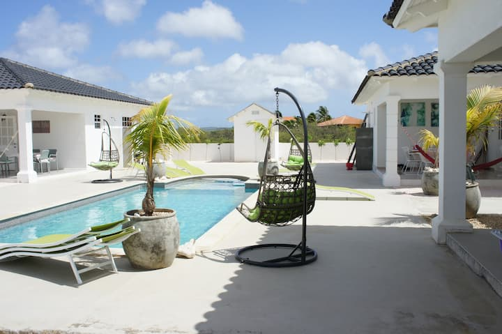 Luxurious fully equipped Villa with mineral pool