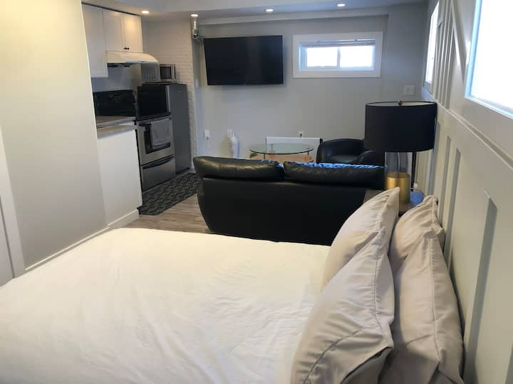 Small cute apartment close to downtown
