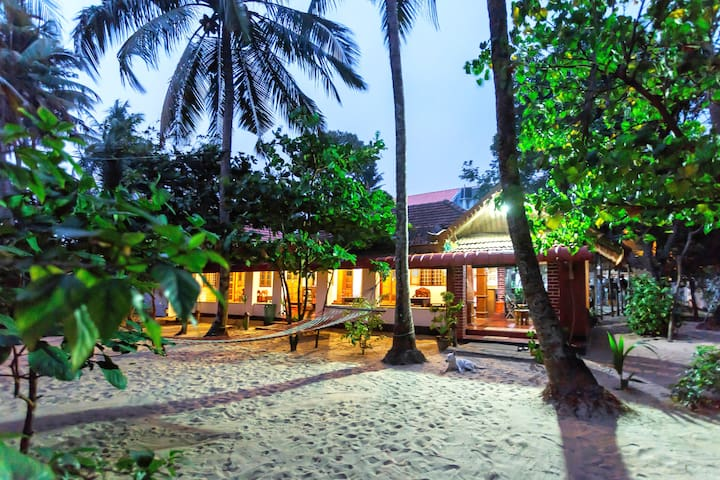 Sea hut Homestay with aircon