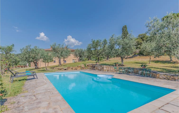 Holiday cottage with 5 bedrooms on 350m² in Figline Valdarno FI