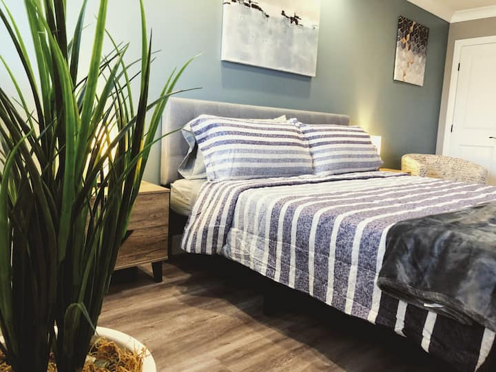 Warm & Cozy Private Guestroom