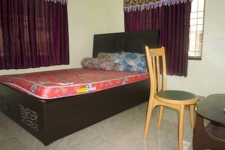 Single room available. - Kolkata