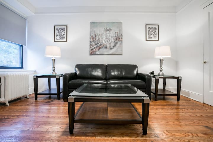Sleeps 4 - 1 Bedroom - 1 Bath - 2 Beds - Pelham Station - 28 Minutes to Grand Central 4