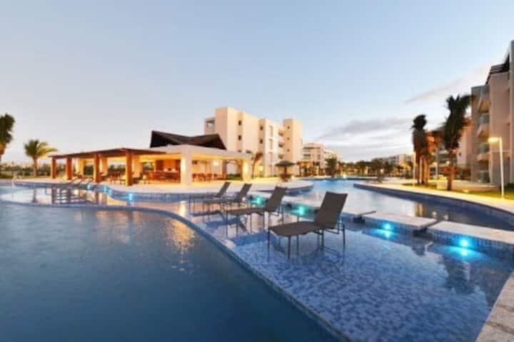 Riviera Beach Place golf residence