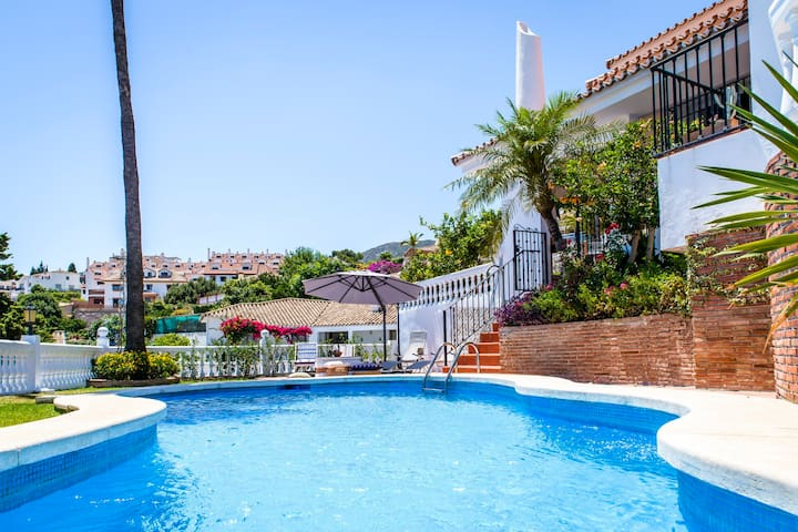 Luxurious, charming 300m2 villa with separate flat