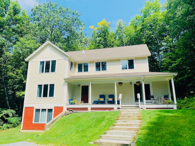 Williamstown apartment, family and hiking friendly