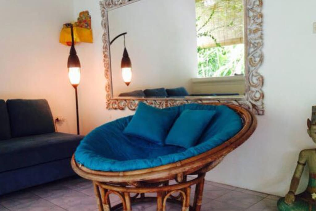 Cozy nook to enjoy Morning Coffee or read and listen to the sounds of Bali.